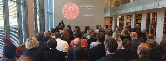 Bildet kan inneholde: begivenhet, publikum, seminar, akademisk konferanse, offentlig tale.